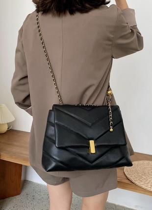 Женская стеганная сумка не цепочке