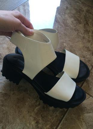 Модные босоножки h&m