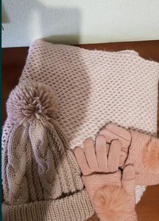 Шапка,хомут, перчатки