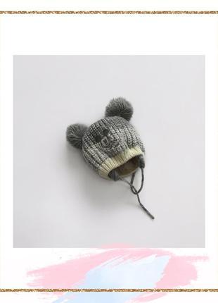 Тепленька шапуля disney ,на вік  6-12 міс.