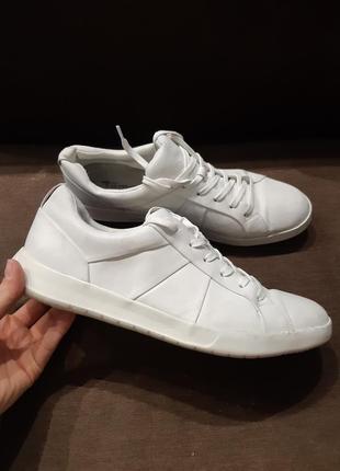 Кросівки білі tamaris