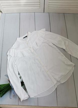 Белая рубашка с воланами размер с-м f&f