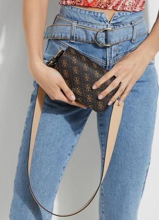 Стильная сумка кроссбоди на плечо от guess