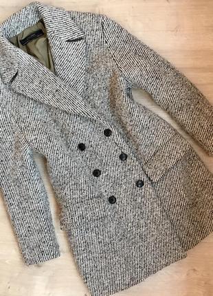 Двубортное пальто демисезонное zara