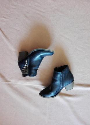 Ботинки на каблуке / полусапожки из еко кожы 37-38