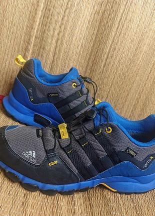 Трекинговые кроссовки adidas terrex gore tex .оригинал .