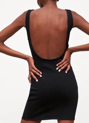Черное мини платье с открытой спиной zara