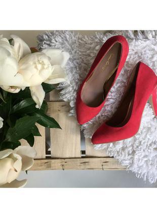 Кораловые лодочки/ туфли красные / розовые на шпильке с золотом