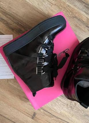 Шикарные демисезонные итальянские ботинки джинсы