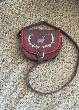 Милая сумочка с вышивкой
