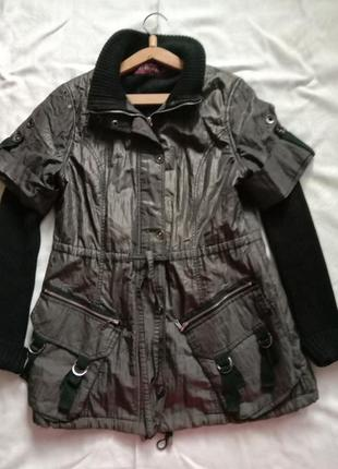 Куртка на флисовой подкладке. верхняя одежда