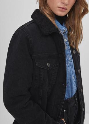 Новая теплая джинсовая куртка bershka1 фото