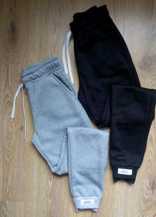 Спортивные штаны трехнить на флисе, теплые