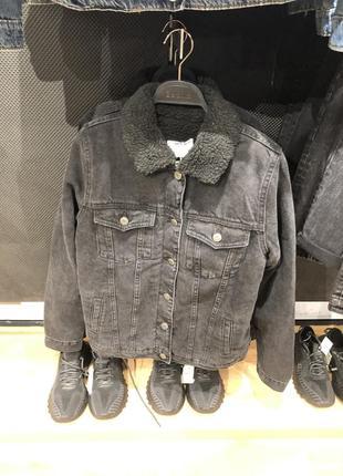 Новая теплая джинсовая куртка bershka5 фото