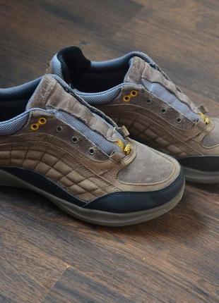 Кожаные кроссовки , ботинки clarks 41р