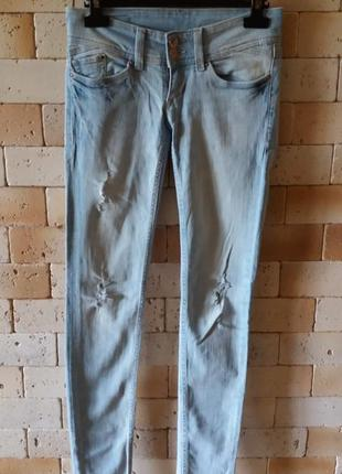 H&m skinny хит летнего сезона джинсы рваные xs w24/l32