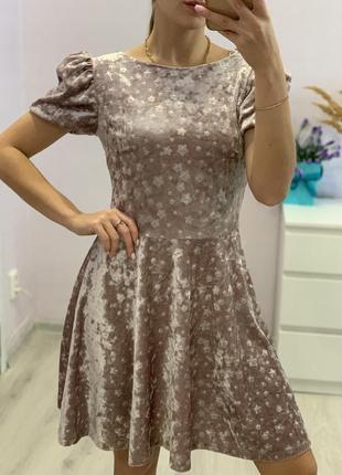 Очень красивое велюровое платье1 фото