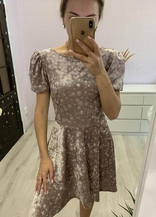 Очень красивое велюровое платье2 фото