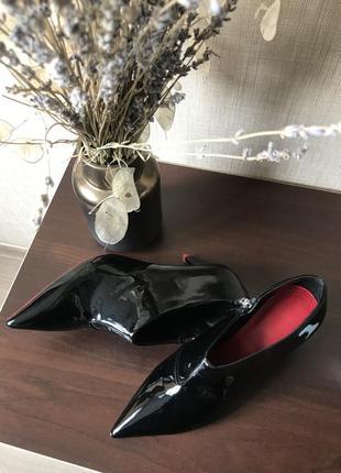 Неймовірно стилні туфлі zara