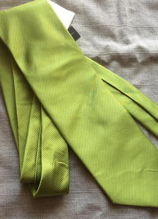 Шелковый яркий галстук french connection