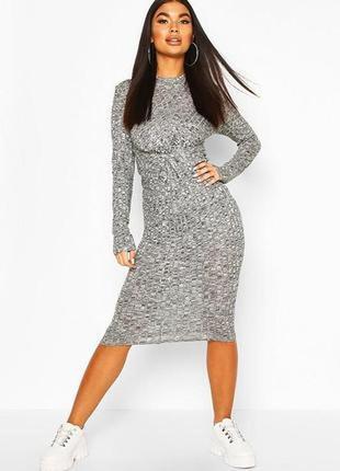 Boohoo. стильное трикотажное с декоративным узлом платье uk 14 новое