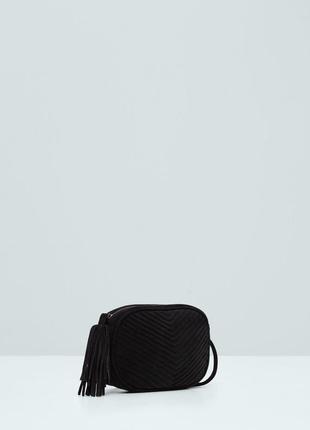 Черная сумка кроссбоди натуральная замша mango