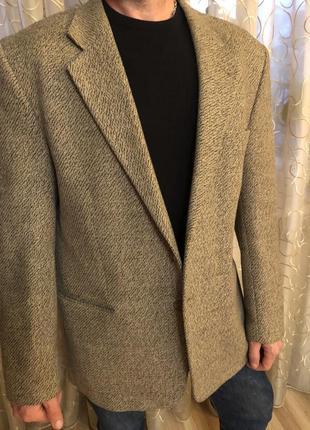 Французский шерстяной тёплый пиджак, как новый