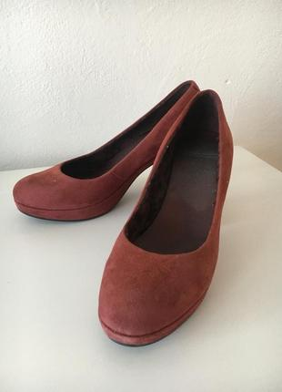 Замшеві туфлі