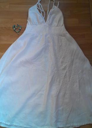 Белоснежное романтическое платьице
