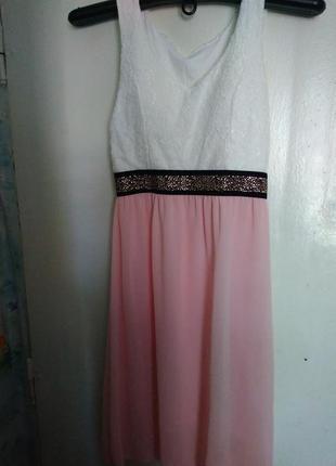 Нежное, модное платье