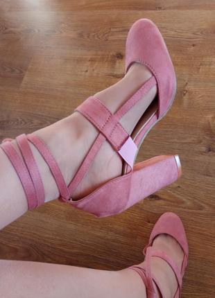 Шикарные туфли под замшу 38-39