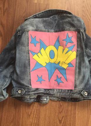 Джинсовая куртка с рисунком. pop art