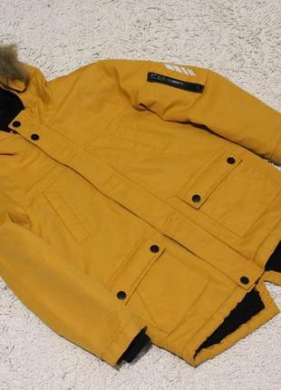 Желтая куртка парка primark на 6-7 лет рост 122 см