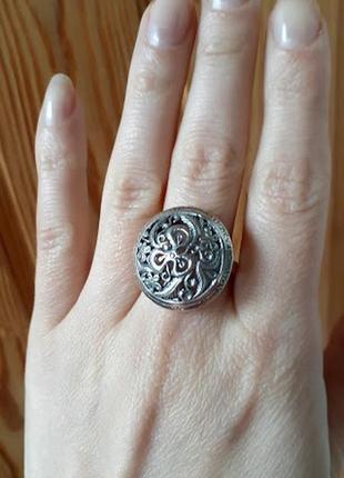 Серебряное  массивное кольцо круглой формы без камней от хартов18,5