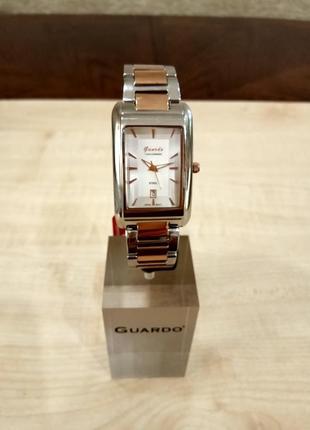 Стильные мужские часы известного итальянского бренда премиум класса. оригинал.