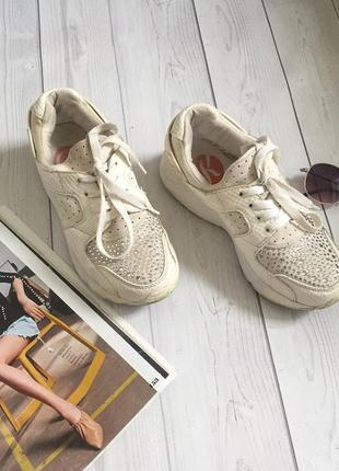 Крутезні кросівки kylie crazy😍