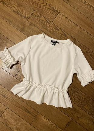 Шикарная блуза с рюшами по типу фонарики