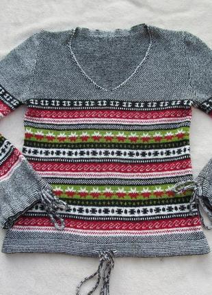 Женский пуловер с узором