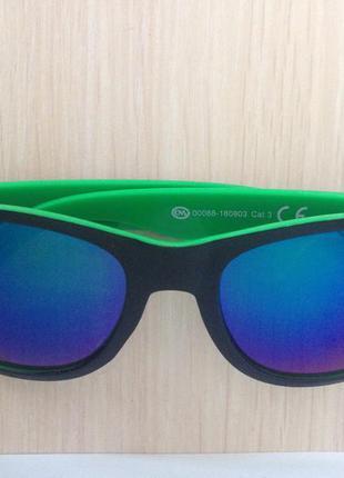 Cолнцезащитные очки с флексами ,вайфареры зеленый с черный