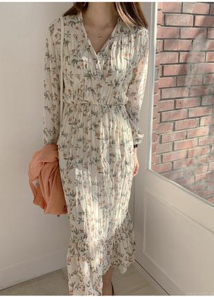Платье из жатой ткани