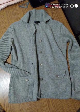 Брендовий шерстяний кардиганчик-светр