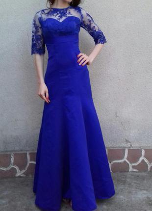 Красивое платья ,  синего цвета