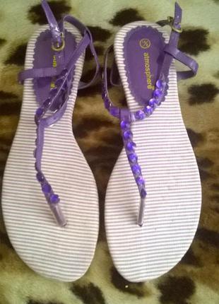 Босоножки-сандалии