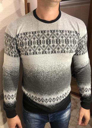 Мужской свитер на осень