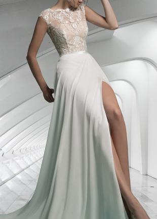 Свадебное платье красивое длинное закрытое с разрезом спереди кружевное в украине св-22586