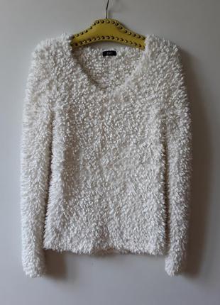 Стильный  белый свитер