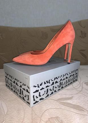 Туфли с кристалами! замшевые, в идеальном состоянии!