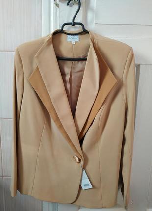 Бежевый пиджак на пуговке, pierre sangan