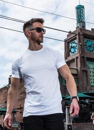 Белая базовая футболка из хлопка с круглой горловиной livergy s