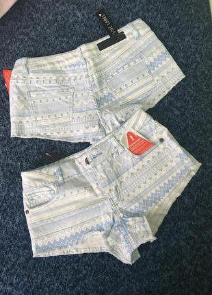 Короткие шорты бело-голубые 8 и 10р.